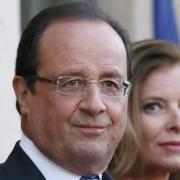 Hollande private life risks hijacking reform message